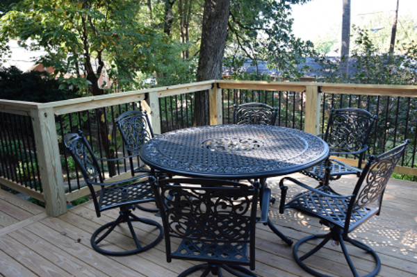 seating area on patio at Hillside DBT